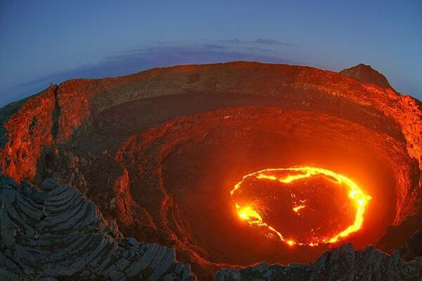 10-places-with-the-most-unbelievable-phenomena-around-the-world