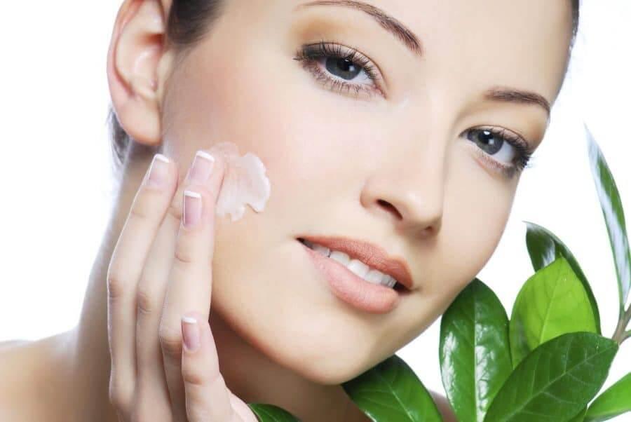 Top 10 Natural Ways to Get Glowing Skin