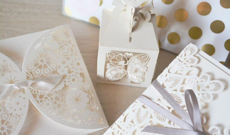 How to ask Your Guests To Donate Your Wedding Gifts To a Charity?