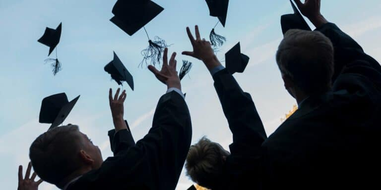 5 Ways to Personalize Your Graduation Gifts